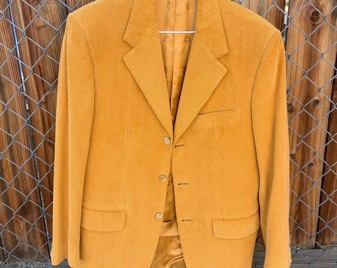 Vintage 1970s orange blazer/sports coat tailored in Italy. Battaglia of Beverly Hills. In excellent condition. Free shipping