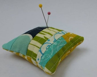 Handmade pin cushion / mini pin cushion / micro quilting / needle minder / gift for sewer / sewing supplies / sewing accessories