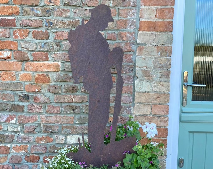 TOMMY SOLDIER STATUE , Garden Decoration , garden Statue , Lest We Forget Sign , poppy day , memorial day , remembrance day , veterans day ,