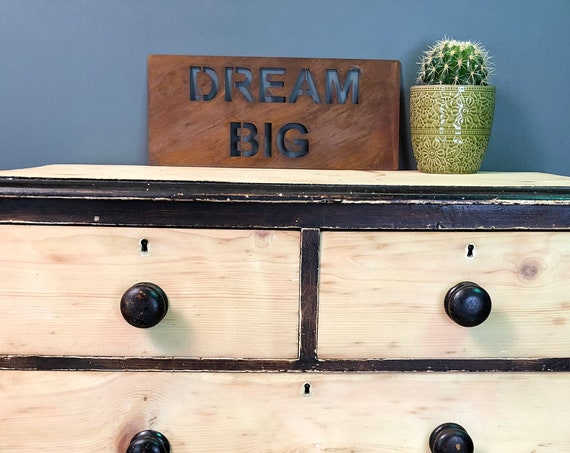 Rusted DREAM BIG Plaque Word Sign Metal Home Rustic Bar Kitchen Love House Life