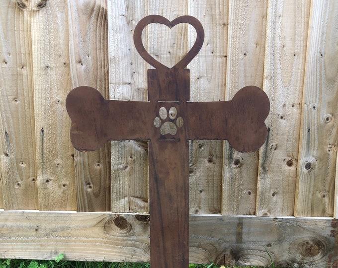 Pet memorial cross , Dog grave stone , Garden Statue , Garden Feature , remembrance gift , pet grave stone , dog grave , rusty metal garden,