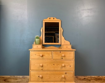 Pine Chest Of Drawers / Bedroom Dresser / Rustic Drawers / Bedroom Storage