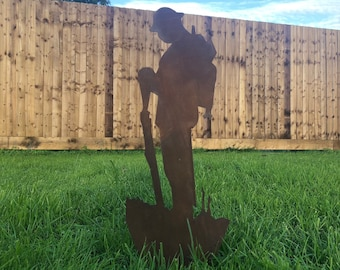 METAL Lest We Forget Soldier Army SILHOUETTE GARDEN Decoration Statue Feature