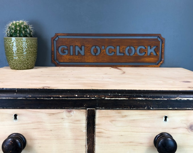 Rusted GIN O CLOCK Word Sign Metal Shop Rustic Pub Cafe Bar Cocktails Industrial
