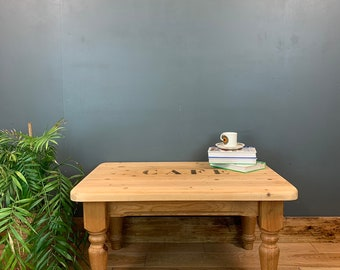 Pine Coffee Table  / Rustic coffee Table / Shabby Chic Table  /  Vintage Coffee Table / Cafe