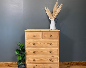 Vintage Pine Chest Of Drawers / Bedroom Drawers / Rustic Drawers / Storage