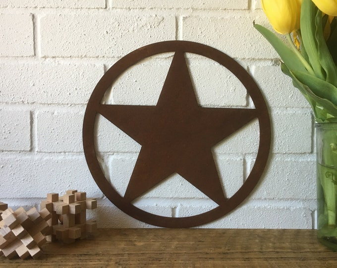 Big Rusty Star Badge Lettering Letters Sign Metal Carnival Fairground Retro Barn