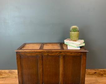 Rustic Coffee Table /  Vintage Coffee Table / Vintage Oak Trunk  /Vintage Chest Blanket Box On Wheels
