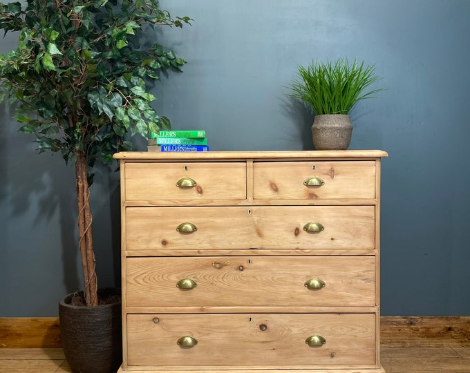 Vintage pine Chest Of Drawers / Rustic Chest Of Drawers / vintage drawers / old pine