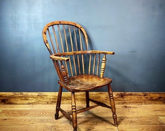 Antique Windsor Chair / Gentleman's Chair / Elm And Ash / Farmhouse Armchair