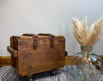Vintage Trunk / Vintage Army  Chest/Trunk Coffee Table /Rustic Box Storage