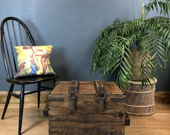Vintage Reclaimed Pine Rustic Trunk Chest Coffee Table Industrial Shabby chic