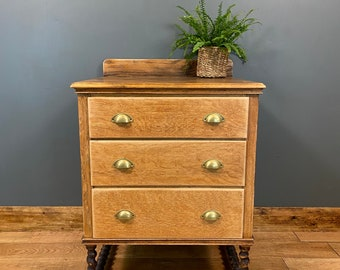 Antique Oak Chest Of Drawers / Bedroom Drawers / Vintage Drawers / Oak Sideboard