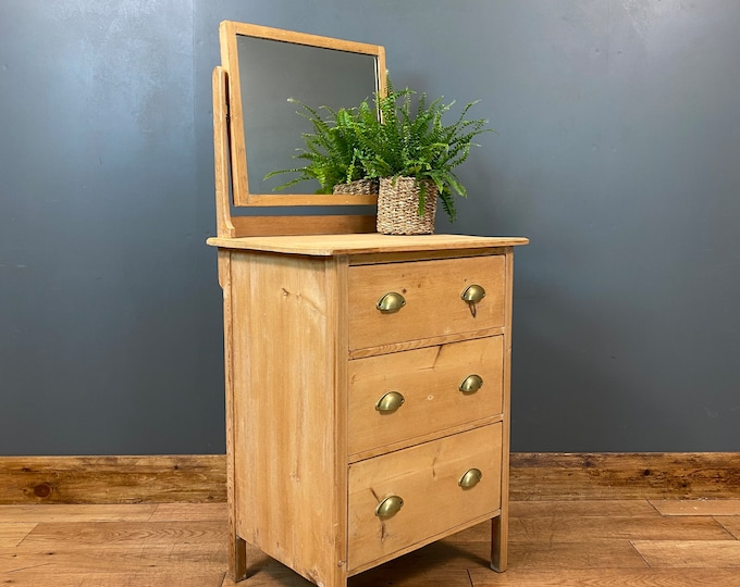 Vintage Small Pine Chest Of Drawers / Bedroom Dresser / Rustic Drawers / Storage