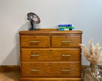 Vintage Oak Chest Of Drawers / Vintage Drawers / Vintage Bedroom Drawers / Storage