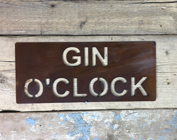Rusted GIN O CLOCK Plaque Word Sign novelty christmas birthday present gift for him her man women mum lady husband wife boyfriend girlfriend