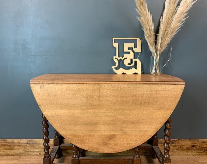 Oak Dining Table / Vintage Table / Rustic Table / Extending Gate Leg Table