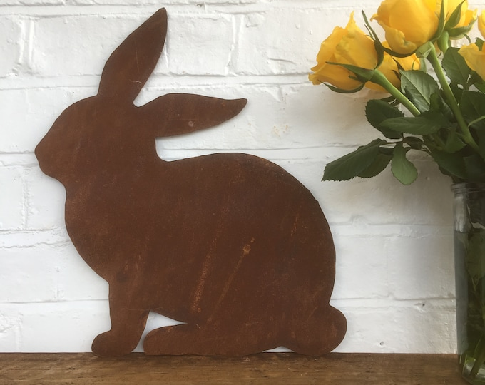 Rusted BUNNY RABBIT Sign Metal Home Garden Ornament Animal Statue Plaque feature