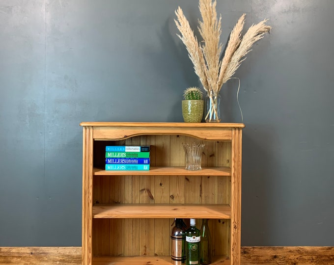 Pine Bookcase / Rustic Bookcase / Pine Shelving / Wooden Bookcase / Display Unit / Rustic furniture