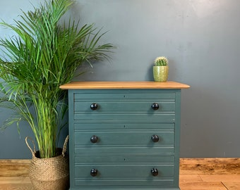 Vintage Chest Of Drawers / Sideboard Painted /Shabby Chic Drawers / Painted Green / Rustic Furniture /Vintage Furniture