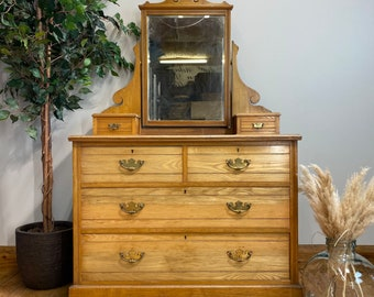 Antique Oak Chest Of Drawers / Bedroom Dresser / Chest Of Drawers / Mirrored