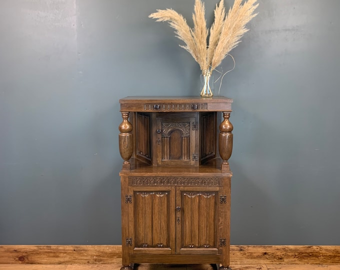 Small Antique Oak Sideboard / Court Cupboard / Buffet Server / Drinks Cabinet