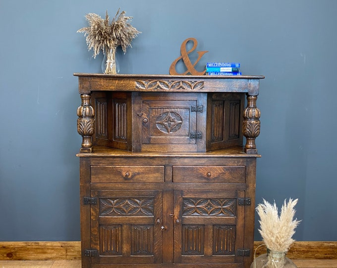 Antique English Oak Court Cupboard /Antique Oak Dresser/ Home Bar /Oak Sideboard