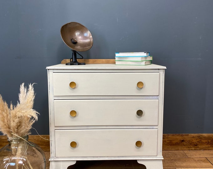 Vintage Chest Of Drawers / Painted Drawers/ Rustic Chest Of Drawers / Off White