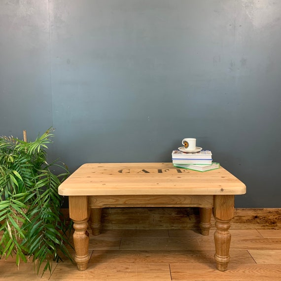 Solid Chunky Pine Coffee Table Storage Rustic Shabby Chic Vintage Cafe