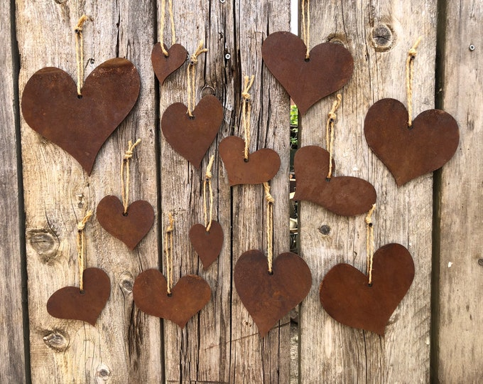 Set Of 13 metal hanging Hearts , Rusted metal , Rustic decor , Vintage decoration , home sign , love , lovers , house or garden ,