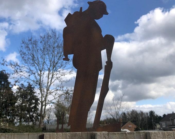SOLDIER GARDEN DECORATION , Lest We Forget statue , Garden Statue , Garden Feature , pot decoration, rusty metal , fence decoration topper