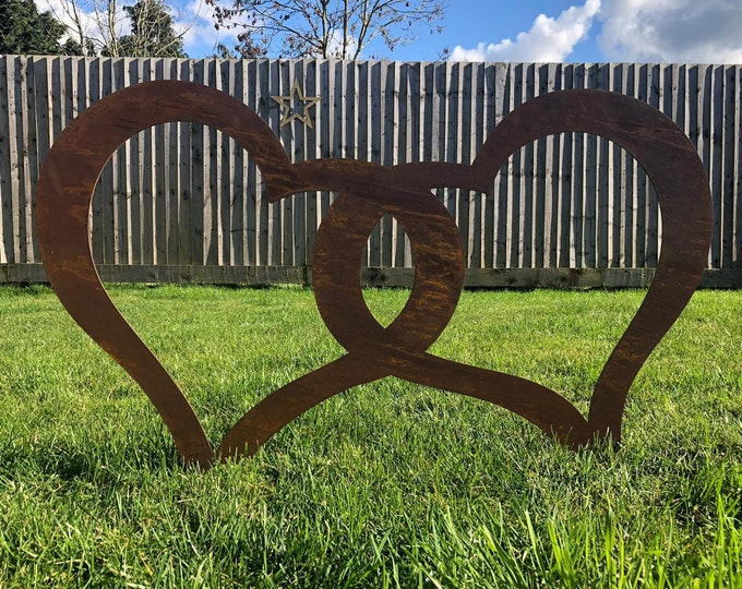 Garden joined hearts / rusty metal / lawn decor / garden ornament /commemorative