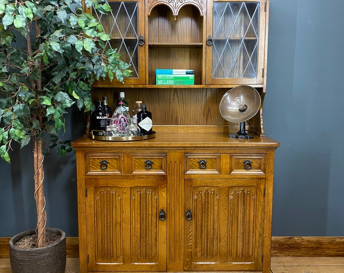 Traditional Vintage Oak Dresser / Rustic Kitchen Cupboard/ Kitchen Pantry /