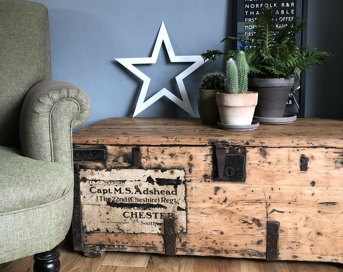BARN STAR , Distressed White Metal Star Sign  , Shabby Chic , Christmas Decoration , vintage house decor  ,mantle piece ornament ,