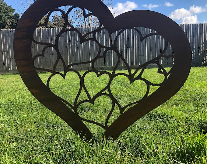 Garden heart / rusty metal heart / lawn decor / garden ornament / commemorative
