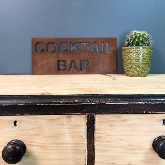 Rusted COCKTAIL BAR Plaque Word Sign Metal Shop Home Rustic Pub Cafe Bar Cocktails Drinks Gin Rum Wine