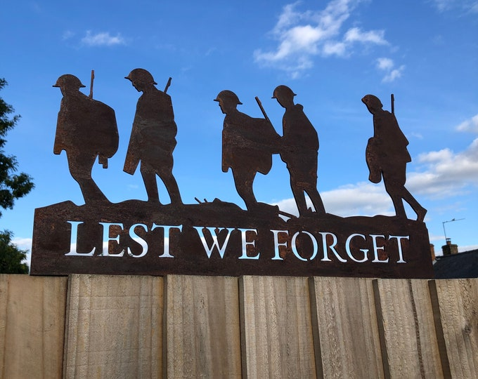 GARDEN DECORATION , Lest We Forget soldiers scene, Soldier statue  , Garden SILHOUETTE , Garden Statue , Garden Feature , remembrance gift