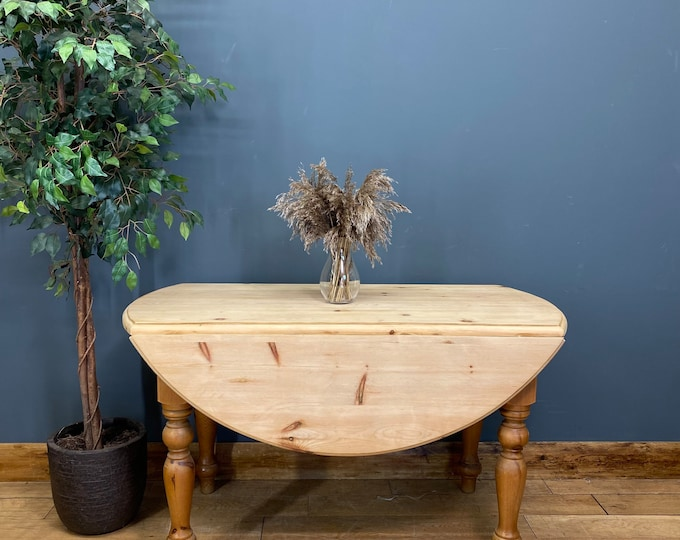 Vintage Round Pine Dining Table / Rustic Table / Farmhouse Kitchen Table /