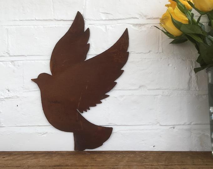Rusty GARDEN ORNAMENT , DOVE Sign , Rusty Metal , Wall decor ,Garden feature , metal Bird , Animal sign , bird feature , bird ornament