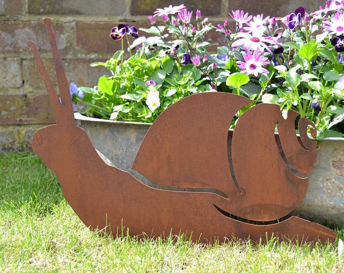 GARDEN DECOR SNAIL , Rusty metal Sign , Home Garden Ornament , rustic garden Decoration , garden Animal feature , inside or outside.