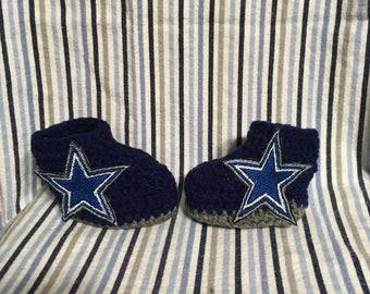 6d5d504da Items similar to Dallas Cowboys-inspired Converse