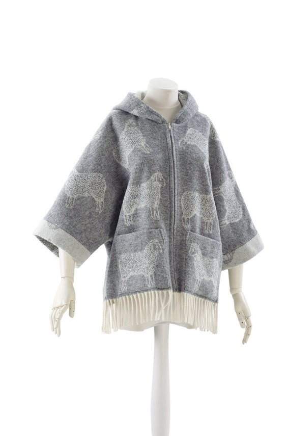 worm unlined wool with pockets with fringes off white jacket grey washable light wrap natural jj textile one size sheep coat