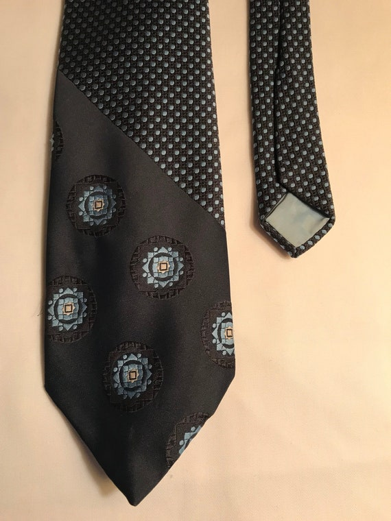Wembley Wemlon Fabric Vintage Tie Navy and Blues p
