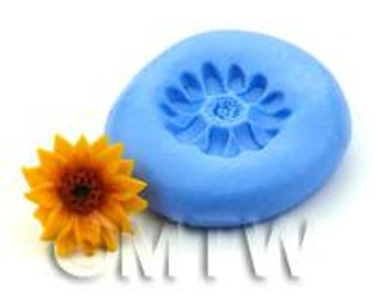 Dolls House Miniature Triple Daisy Silicone Mould