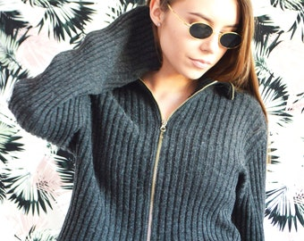 ee241625b969e3 90s womans sweater   Vintage 90s minimalist grey knit cropped sweater  cardigan   Size M UK 10-12   Vintage woman clothing