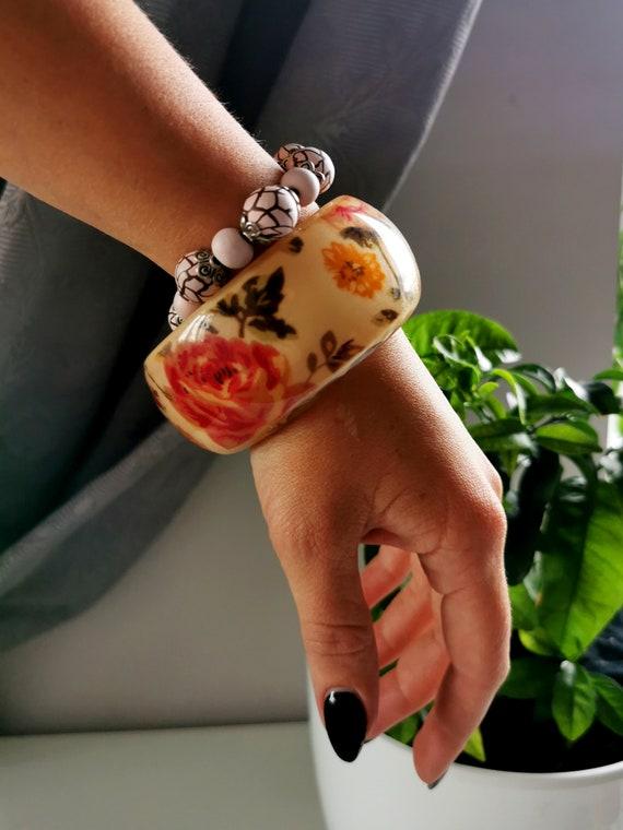 90's vintage plastic floral print round bracelet