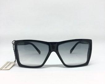 553e015cb7c0 GIANNI VERSACE Metrics Vintage Sunglasses