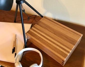 Keepsake Box - Handmade Oak and Walnut Wooden Box with Feature Striped Lid