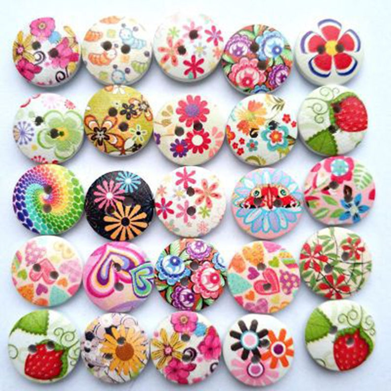 15mm WOODEN BUTTONS 2 HOLE MIXED DESIGN SEWING BUTTONS SCRAPBOOKING CARD CRAFTS