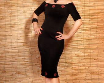 2fe3474b6726 The little black and Roses dress